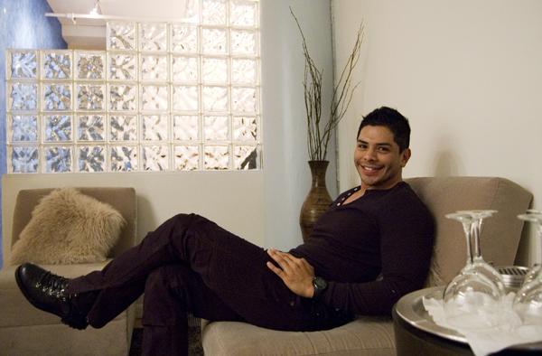 Rub you the Right Way: Enrique Ramirez