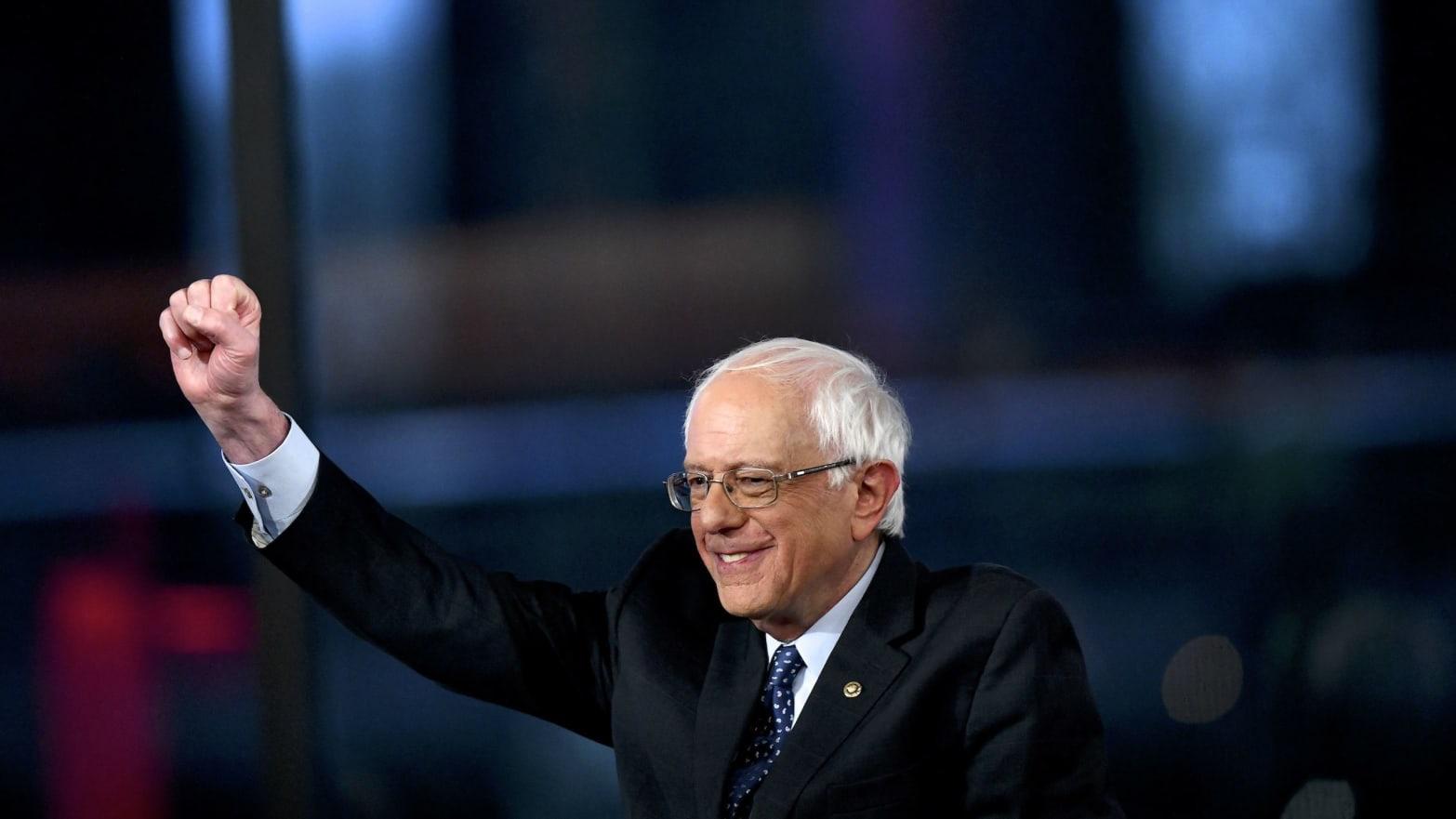 Bernie Sanders Calls on Mitch McConnell to put $15 Minimum Wage Bill on the Senate Floor